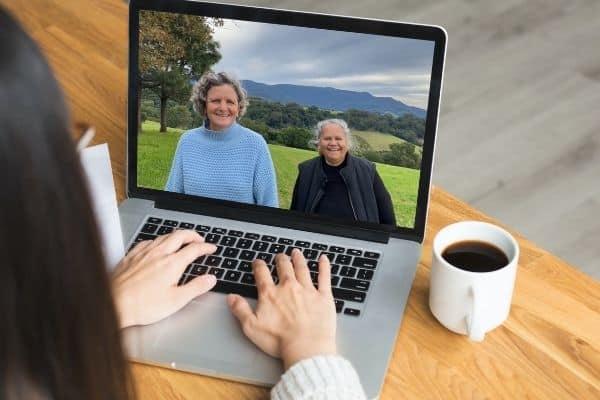 Aunty Munya and Carla on a lap top - Heal Country Webinar